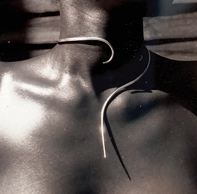 Spikeful necklace