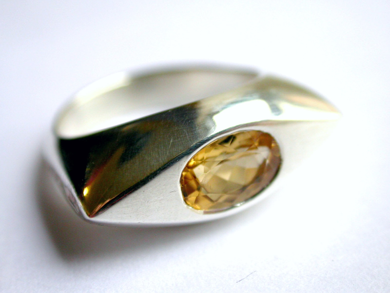Eye shape silver ring with flush set citrine2
