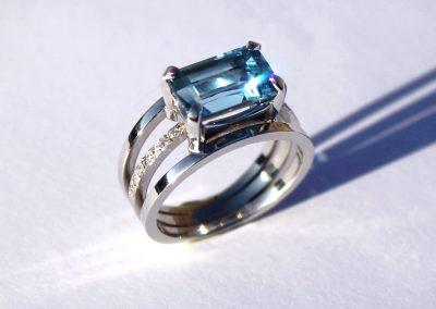 Aquamarine, diamonds 18ct white gold engagement ring