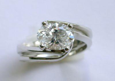 Platinum ladies bespoke wedding ring to match engagement ring