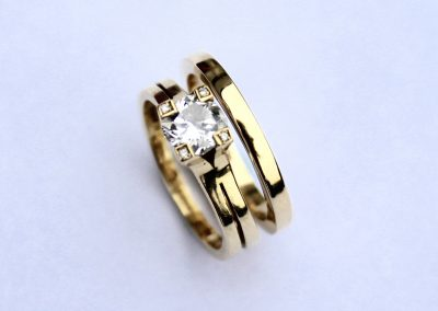 Solitaire diamond engagment and wedding ring