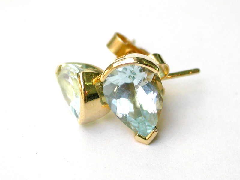 Aquamarine pear cut set stud earrings, spicy rock 18ct yellow gold