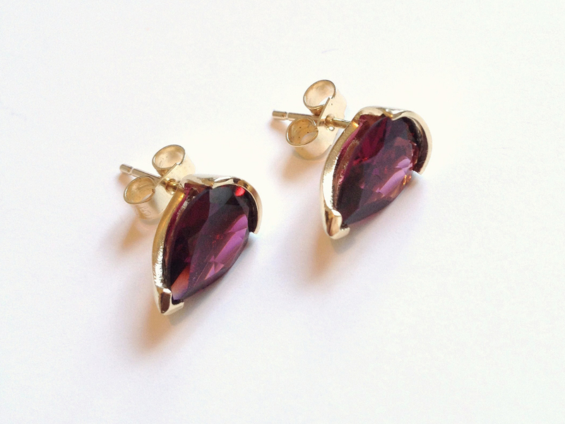 rodalite garnet set in 18ct gold stud earrings